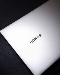 荣耀MagicBook Pro:轻薄高效、全屏实力