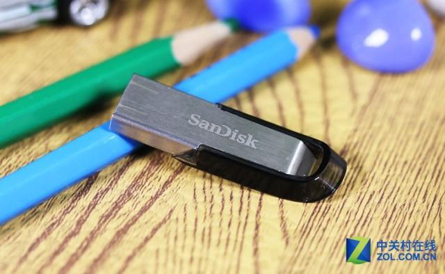 时尚与高速碰撞!   闪迪酷铄USB3.0优盘