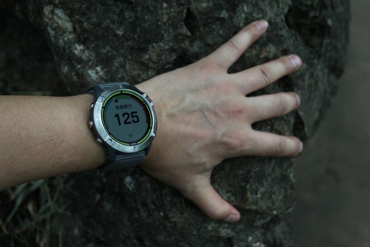 这是我用过的最为专业的运动手表:佳明ENDURO