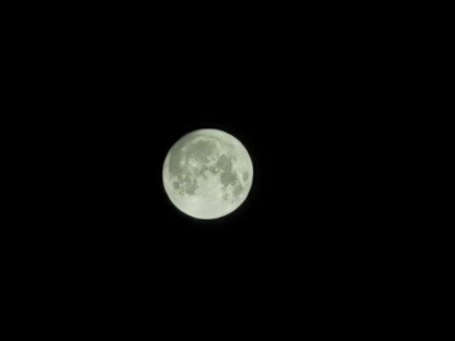 30倍变焦拍中秋月亮无压力,荣耀20 PRO四摄相机实拍测试