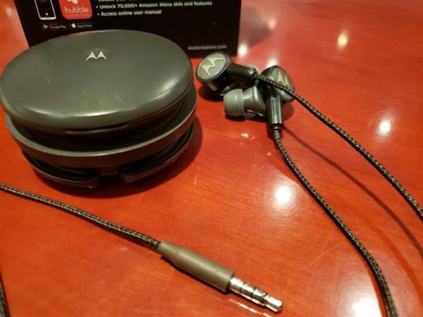 耳机届的变形金刚  摩托罗拉推出三合一耳机