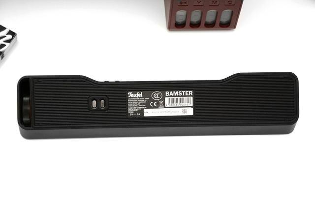 一款很适合搭配电脑的户外条形蓝牙音箱,桌子小的不妨考虑一下