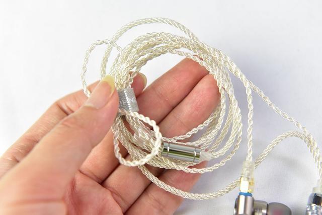 299元的国产耳机在北美爆火靠的是什么?中国制造+轻HIFI调音