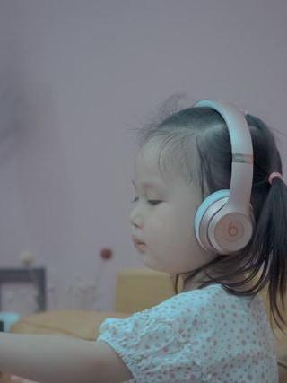 守护宝宝呼吸健康,小巧不占地的空气净化器