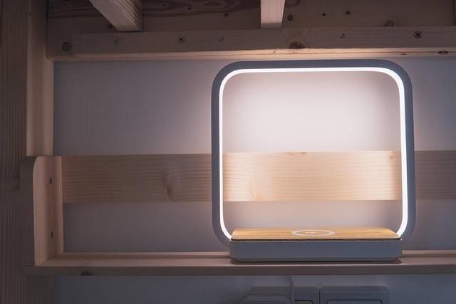 支持无线充电,几光LED触摸床头灯入驻新房
