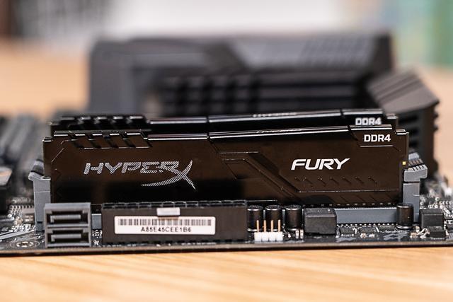 低调而不差实力:HyperX Fury DDR4雷电系列骇客神条测评