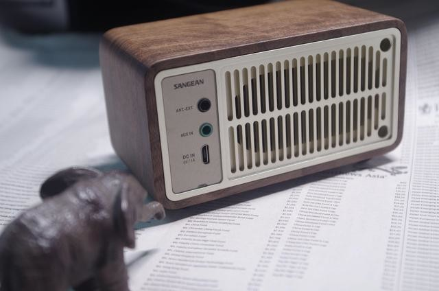 前浪的摆摊吆喝好伴侣——山进莫扎特Plus胡桃木收音机上手记