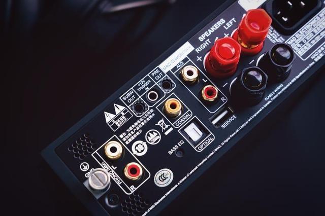 再拥挤的书桌也可以有完美的声音,小而美音响设备升级