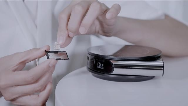 无电无网的野外如何投影在线视频?坚果T9便携投影很能打