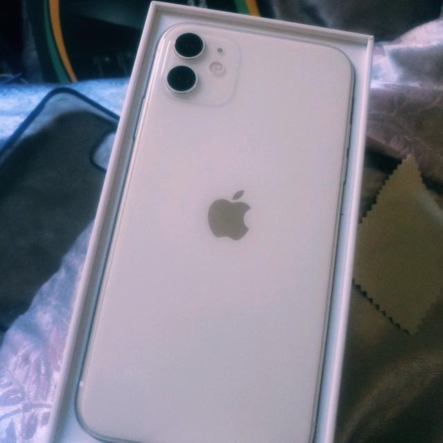 真怀疑我是不是唯一一个收到iphone11残次品的