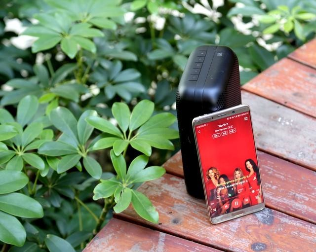 感受极简北欧风,也许只需要一B&O P6无线便携音箱