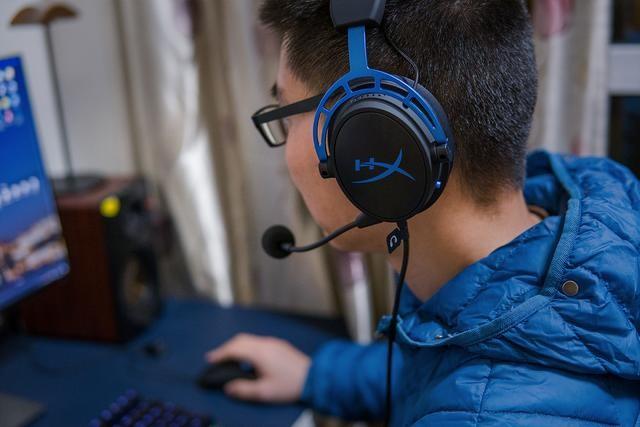 出色音效,精准定位:HyperX Cloud Alpha S让游戏体验更真实
