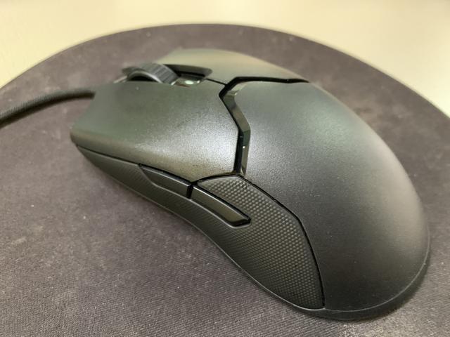 雷蛇毒蝰鼠标——仅69克用了回不去的游戏鼠标