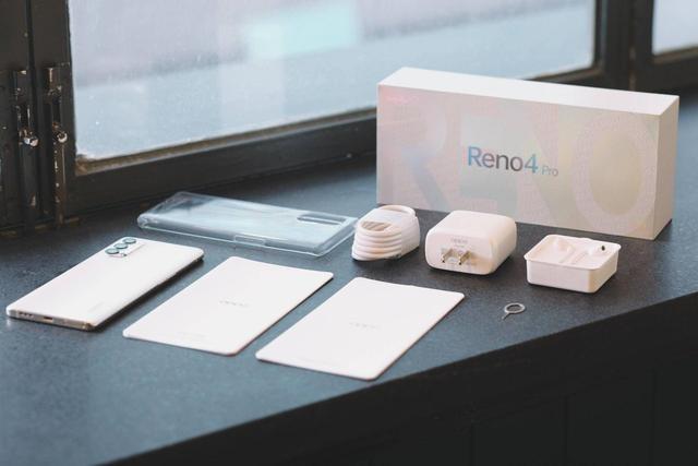 这台OPPO Reno4,靠着轻薄和颜值能够让小姐姐放弃买微单吗?