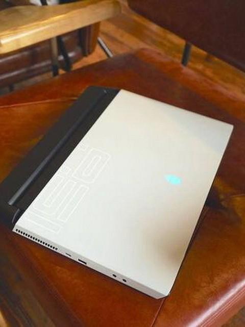 用顶级游戏笔记本是感觉?岂一个爽字了得