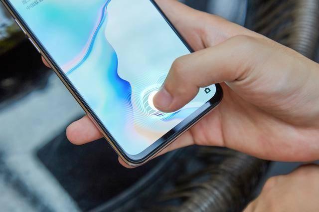 千元机的竞争:OPPO K5和荣耀20S,哪款手机更划算?