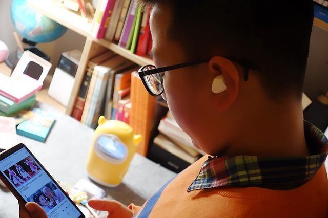用了10年蓝牙耳机,终于明白真无线是啥!原来一款耳机区别这么大