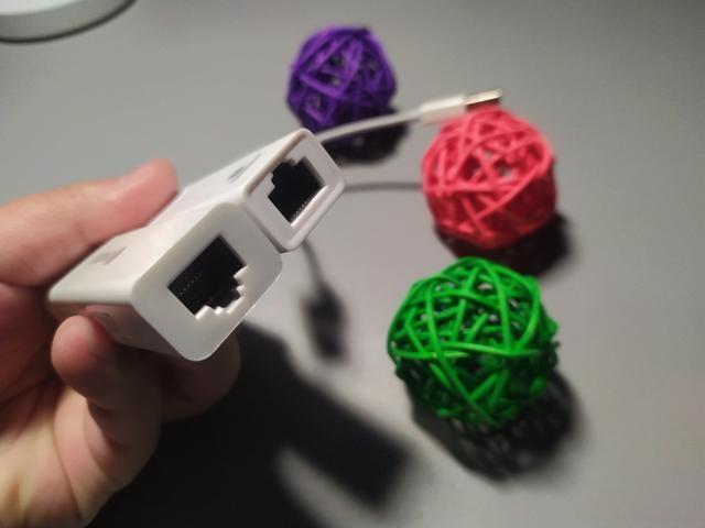 毕亚兹 百兆有线网卡&3口分线器 ZH5:轻松办公自在你我