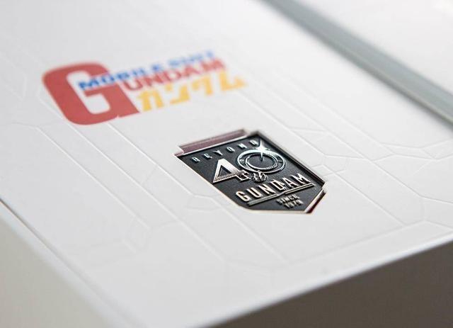 Reno Ace高达版开箱,精美的机甲纹理真是太炫了