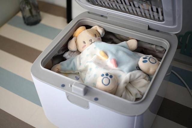 拯救宝爸,海尔小白紫外线消毒器竟藏着带娃的小秘密