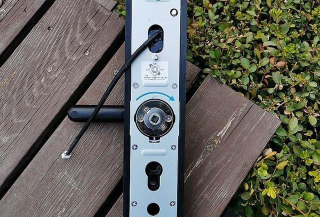 小益E206T指纹锁:小益E206再升级,让家居安全不再受威胁