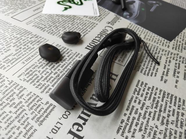摆脱束缚,聆听无线——雷蛇战锤狂鲨真无线耳机