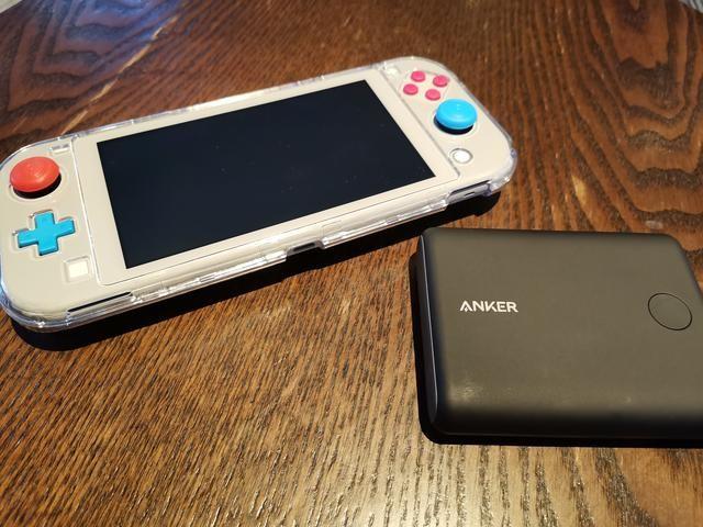 Anker 任天堂定制移动电源:拯救Switch,让它时刻满电安全出行