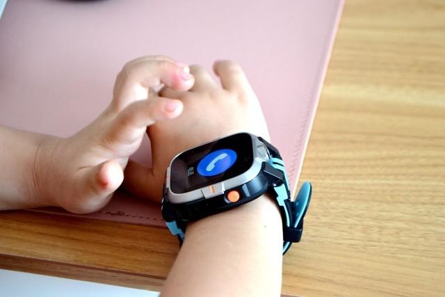 可以测温的儿童手表小寻AI学习手表Y2 Pro