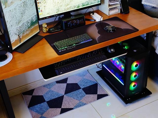 升级散热和显卡、内存,体验RGB主机放在脚边的感觉