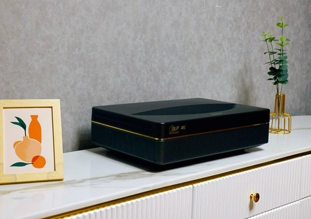 长虹发布两款激光电视与智能投影 挖掘大屏显示市场