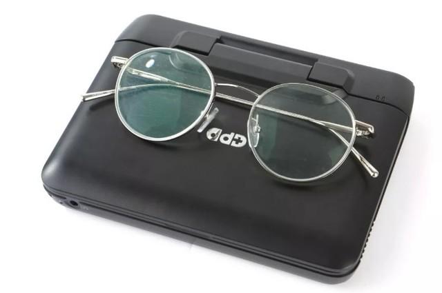 大小仅如一副眼镜的GPD MicroPC