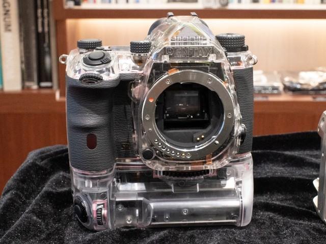 宾得透明版K-3 Mark III展示内部构造