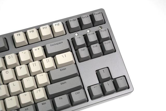 经典复古风,ikbc W200深空灰机械键盘开箱体验