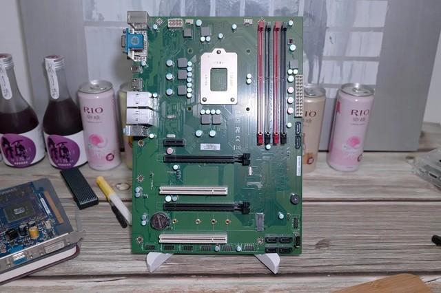 CPU反装的新奇主板,益德EDAC-Q270上手