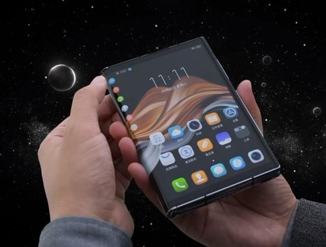折叠手机的另一种可能:柔宇发布柔派FlexPai 2手机