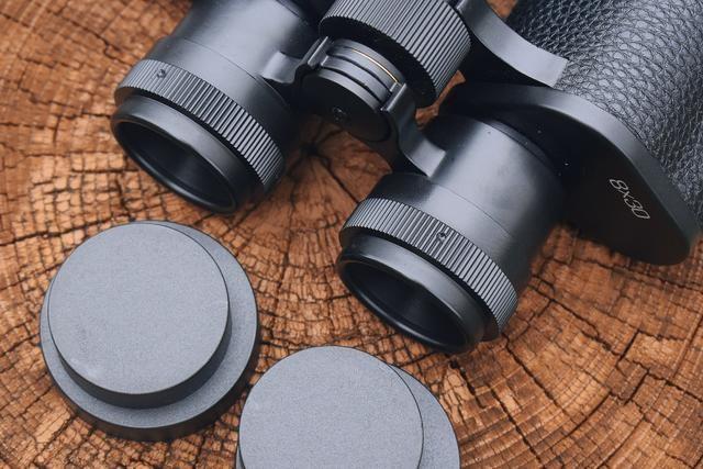 【图片5】复古镜身 清晰成像!——星特朗经典高清双筒望远镜体验