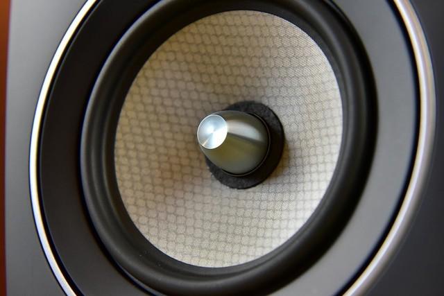 它是最接地气的洋音响之一,除了低价,声音也讨大众喜爱