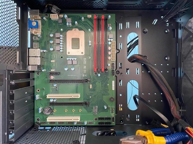 一不留神,我把CPU装到主板背面了,这样的电脑还能用吗?
