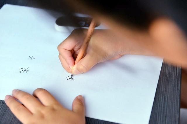 有道词典笔K3评测 随点随教语数英全能 激发孩子兴趣提升学习能力